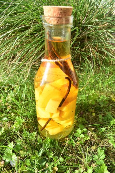 Rhum arrangé à la mangue fait maison