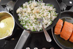 Riz saumon et bouillon thaï