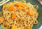 Nouilles chinoises au butternut et gingembre, sauce soja-citron vert