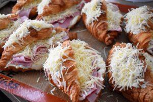 Croissants au jambon maison