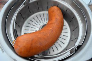 Cuisson vapeur du saucisson pour saucisson brioché