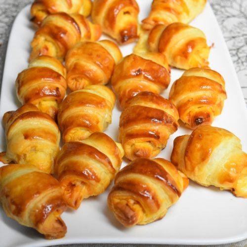 Mini croissants salés