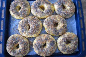 Bagels aux graines de sésame et pavot