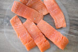 Assaisonnement des pavés de saumon
