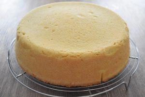 Démouler la tarte au fromage blanc