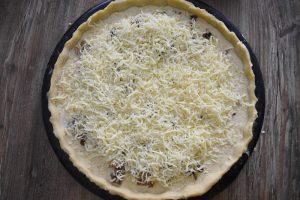 Tarte au poulet, champignons et mozzarella