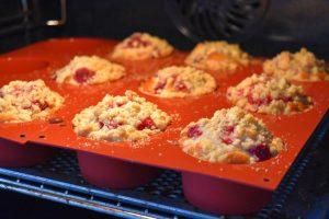 Cuisson des muffins aux framboises