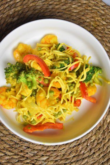 Nouilles sautées aux crevettes thaïes