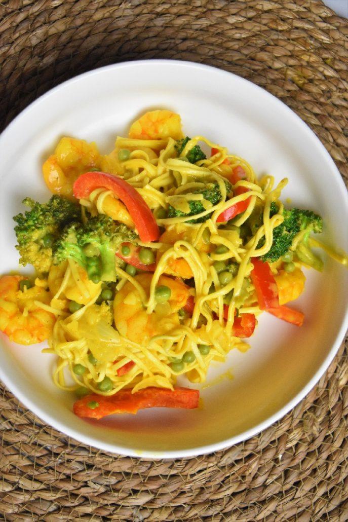 Nouilles aux crevettes sautées thaïes