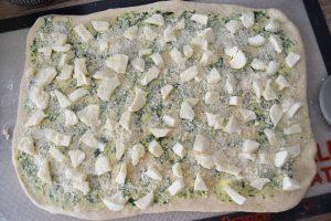 Pâte à pain, beurre ail et persil et fromages