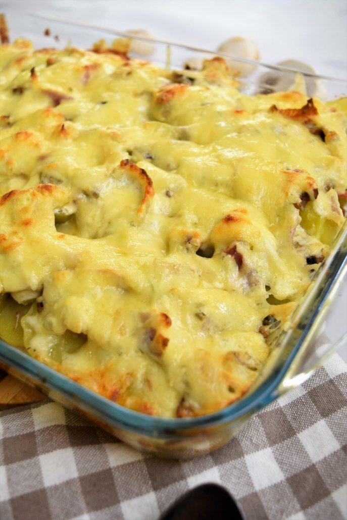 Gratin de pommes de terre au fromage ail et fines herbes et champignons