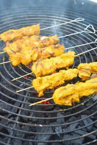 Brochettes de poulet épicées au barbecue