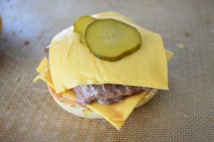 Cornichon aigre-doux pour burger