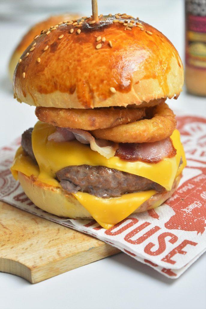 Burger aux onion rings