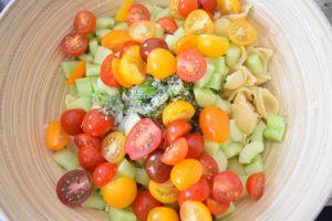Pâtes au basilic, à l'échalote et tomates cerises