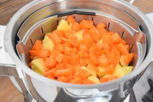 Pommes de terre et carottes à la vapeur