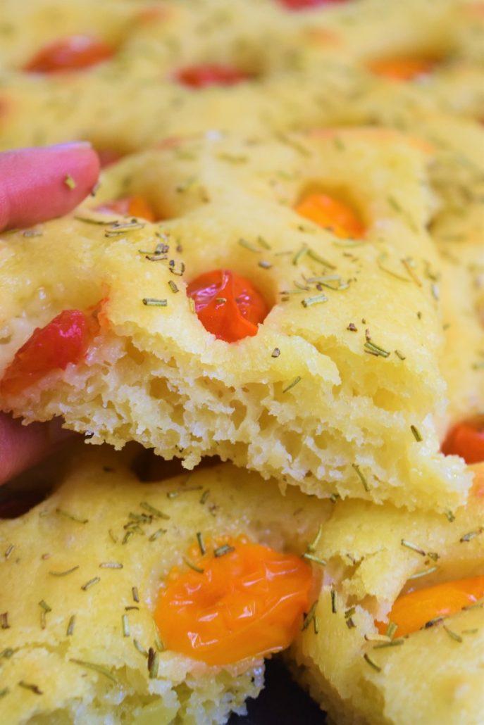 Focaccia italienne aux tomates cerises