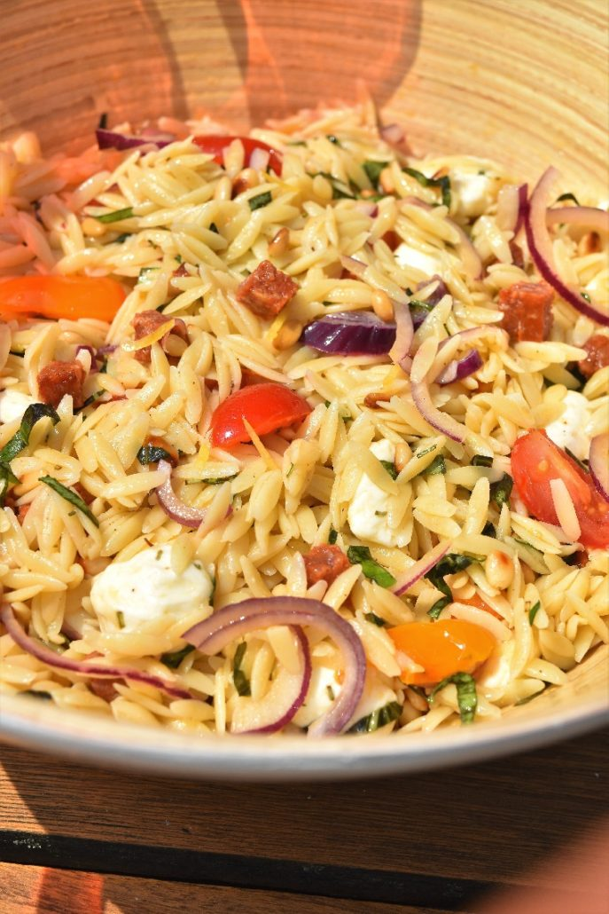 Salade de pâtes, chorizo et mozzarella