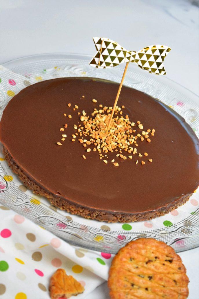 Tarte avec galettes bretonnes et chocolat