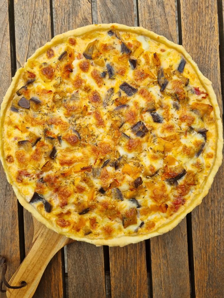 Tarte aux légumes du soleil et mozzarella