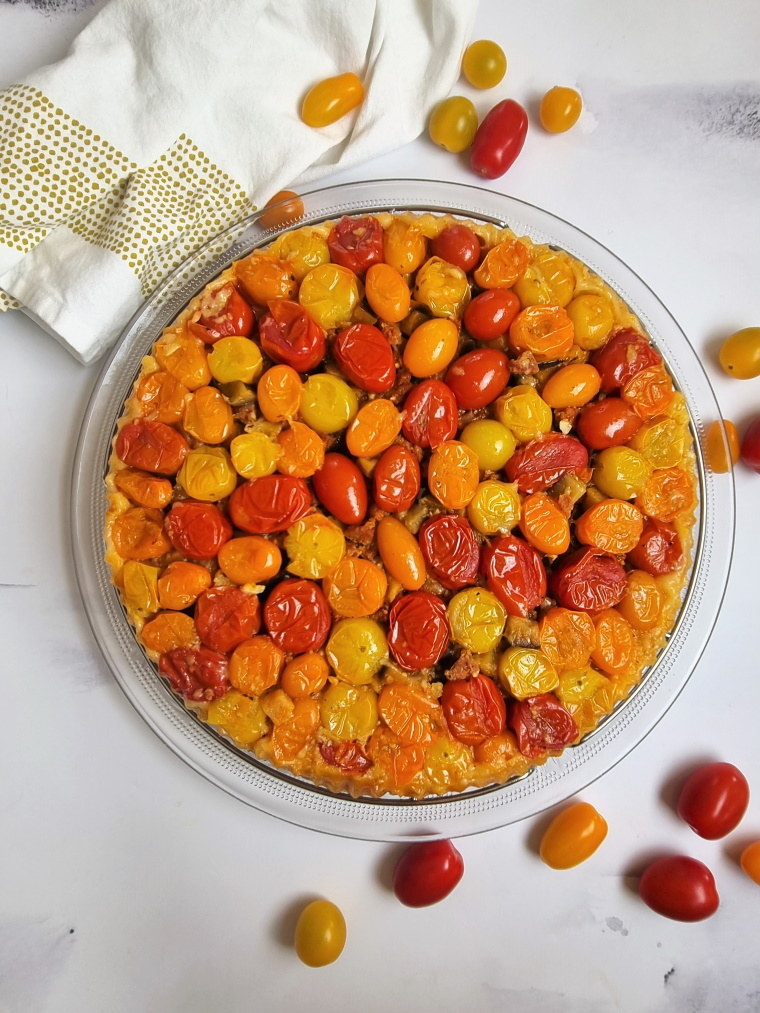 Tatin aux tomates cerises, aubergine et chorizo